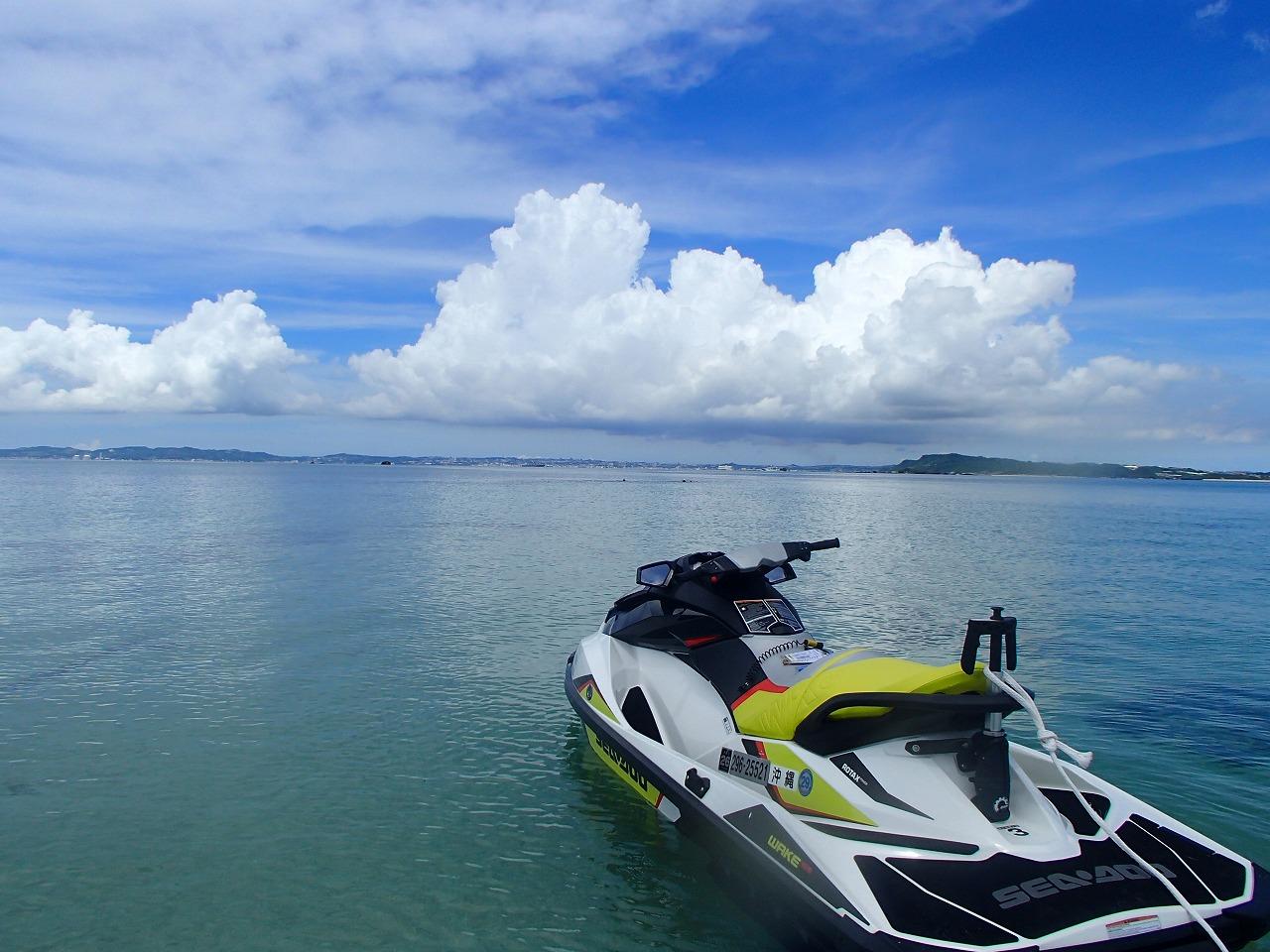 在沖繩租借水上摩托是