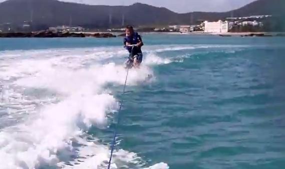 KAZU玩水上滑板組的錄像!