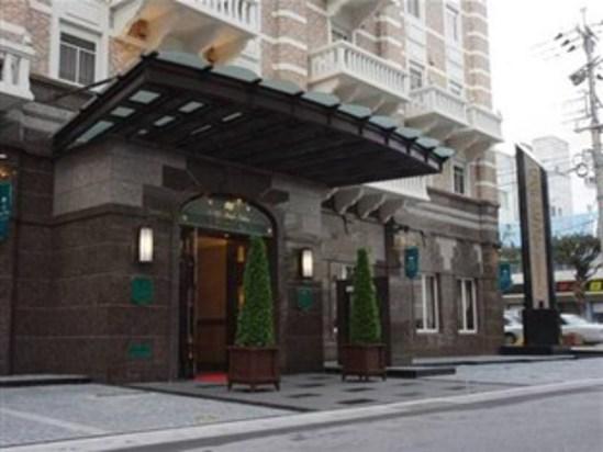 冲绳纳哈东町广电酒店