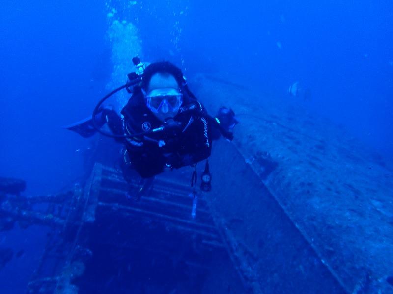 古宇利島沉船EMMONS有執照潛水線路 okinawa